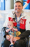 Calgary, AB - June 5 2014 - Mark Ideson visiting children during the Celebration of Excellence Heroes Tour visit to the Alberta Children's Hospital. (Photo: Matthew Murnaghan/Canadian Paralympic Committee)