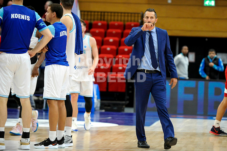 GRONINGEN - FIBA Basketbal-bubbel. finale, Donar - Lisboa Benfica seizoen 2021-2022, 01-10-2021, Donar coach Matthew Otten