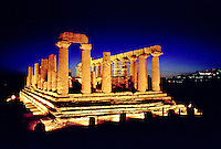 Agrigento, Valle dei Templi. Tempio di Giunone --- Agrigento, Valley of the Temples. Temple of Juno Lacinia