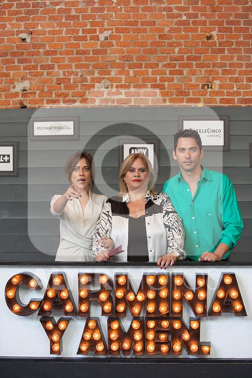 Spanish actor Paco Leon (R) and actresses Maria Leon (L) and Carmina Barrios (C) pose during `Carmina y amen´ film premiere photocall at Cineteca Matadero in Madrid, Spain. April 28, 2014. (ALTERPHOTOS/Victor Blanco)