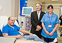 02/08/2010   Copyright  Pic : James Stewart.017_hospital_day_one  .::  NHS FORTH VALLEY ROYAL HOSPITAL, LARBERT :: ONE OF THE FIRST PATIENTS AT THE RENAL UNIT, GERALD MATHEWSON AND STAFF NURSE SALLY ANN MORGAN, MEET TRUST CHAIRMAN IAN MULLEN  :: DAY ONE OF THE NEW HOSPITAL AS PATIENTS START TO ARRIVE   ::
