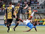 01.08.2019 Progres Niederkorn v Rangers: Jermain Defoe tries an overhead kick