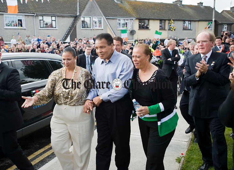 Muhammad Ali, accompanied by his daughter Hannah and wife Lonnie arrives in Ennis at Turnpike road, his ancestral home. Photograph by John Kelly.