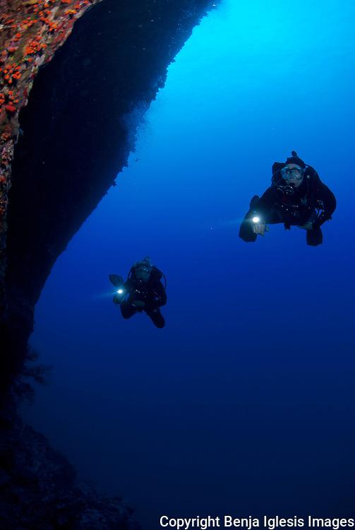 Two tecnical divers on the back wall molokini maui hawaii.