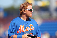 New York Mets second baseman Justin Turner #2 during a spring training game against the Atlanta Braves at the Digital Domain Park on March 27, 2012 in Port St. Lucie, Florida.  Atlanta defeated New York 7-5.  (Mike Janes/Four Seam Images)