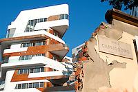 Milano / Italia - settembre 2013<br /> Le nuove redidenze di lusso progettate da Zaha Hadid nel quartiere CityLife, sull'area dell'ex Portello-Fiera.<br /> The Hadid Residences built in the middle of the historic Fiera di Milano area. <br /> Foto Livio Senigalliesi