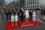 El Rey Felipe VI de España y la Reina Letizia de España en el Congreso de los Diputados acompañados por sus hijas, la princesa Sofia y la infanta Elena, durante la celebración de la ceremonia de coronación en Madrid, España. June 19 ,2014. (ALTERPHOTOS/EFE/Pool)