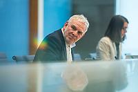 Pressekonferenz am Dienstag den 2. Maerz 2021 in Berlin anlaesslich des 10. Jahrestag der Atomkatastrophe von Fukushima.<br /> Staatssekretaer Jochen Flasbarth, Bundesumweltministerium (im Bild); Inge Paulini, Praesidentin des Bundesamtes fuer Strahlenschutz und <br /> Wolfram Koenig, Praesident des Bundesamtes fuer die Sicherheit der nuklearen Entsorgung berichteten in der Bundespressekonfernz ueber die Konsequenzen die in Deutschland aus der Katastrophe gezogen wurden und weiterhin gezogen werden muessen.<br /> 2.3.2021, Berlin<br /> Copyright: Christian-Ditsch.de