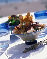 """Europe/France/Poitou-Charentes/17/Charente-Maritime/La Rochelle : Salade de langoustines rôties aux cocos de Vendée tièdes - Recette de Richard Coutanceau du restaurant """"Coutanceau"""""""