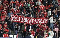 BOGOTA-COLOMBIA, 21-02-2020: Hinchas de America de Cali, animan a su equipo, durante partido de la fecha 6 entre Independiente Santa Fe y America de Cali, por la Liga BetPLay DIMAYOR I 2020, en el estadio Nemesio Camacho El Campin de la ciudad de Bogota. / Fans of America de Cali, cheer for their team during a match of the 6th date between Independiente Santa Fe and America de Cali, for the BetPlay DIMAYOR I Leguaje 2020 at the Nemesio Camacho El Campin Stadium in Bogota city. / Photo: VizzorImage / Luis Ramirez / Staff.