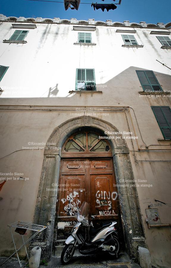 - NAPOLI 22 OTT 2014 - Salita Pontecorvo 44. L'ex istituto minorile Filangieri, oggi abbandonato