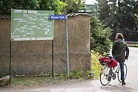 """Klimacamp """"Ende Gelaende"""" bei Proschim in der brandenburgischen Lausitz.<br /> Mehrere tausend Klimaaktivisten  aus Europa wollen zwischen dem 13. Mai und dem 16. Mai 2016 mit Aktionen den Braunkohletagebau blockieren um gegen die Nutzung fossiler Energie zu protestieren.<br /> Im Bild: Eine Tafel, auf der die durch den Braunkohletagebau zerstoerten Orte und geplante Zerstoerungen aufgefuehrt sind.<br /> 14.5.2016, Proschim/Brandenburg<br /> Copyright: Christian-Ditsch.de<br /> [Inhaltsveraendernde Manipulation des Fotos nur nach ausdruecklicher Genehmigung des Fotografen. Vereinbarungen ueber Abtretung von Persoenlichkeitsrechten/Model Release der abgebildeten Person/Personen liegen nicht vor. NO MODEL RELEASE! Nur fuer Redaktionelle Zwecke. Don't publish without copyright Christian-Ditsch.de, Veroeffentlichung nur mit Fotografennennung, sowie gegen Honorar, MwSt. und Beleg. Konto: I N G - D i B a, IBAN DE58500105175400192269, BIC INGDDEFFXXX, Kontakt: post@christian-ditsch.de<br /> Bei der Bearbeitung der Dateiinformationen darf die Urheberkennzeichnung in den EXIF- und  IPTC-Daten nicht entfernt werden, diese sind in digitalen Medien nach §95c UrhG rechtlich geschuetzt. Der Urhebervermerk wird gemaess §13 UrhG verlangt.]"""