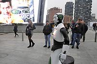 Milano, Novembre 2017 - il robot interattivo Beeg si muove nella città per promuovere un evento organizzato dalla associazione di consumatori Altroconsumo dedicato a nuove tecnologie ed innovazione.<br /> <br /> - Milan, November 2017 - the  interactive robot Beeg moves in the city to promote an event organized by Altroconsumo consumers association about new technologies and innovation.