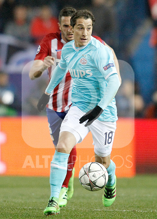 Atletico de Madrid's Koke Resurrecccion (l) and PSV Eindhoven's Andres Guardado during UEFA Champions League match. March 15,2016. (ALTERPHOTOS/Acero)