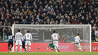Calcio, semifinali di andata di Coppa Italia: Juventus vs Inter. Torino, Juventus Stadium, 27 gennaio 2016.<br /> Juventus' Alvaro Morata, right, scores on a penalty kick during the Italian Cup semifinal first leg football match between Juventus and FC Inter at Juventus stadium, 27 January 2016.<br /> UPDATE IMAGES PRESS/Isabella Bonotto