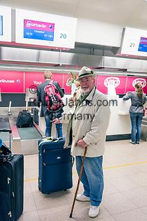 Oesterreich, Salzburger Land, Stadt Salzburg: Flughafen W. A. Mozart - Abfertigungshalle, Check-in | Austria, Salzburger Land, Salzburg City: Airport W. A. Mozart, terminal building, check-in area
