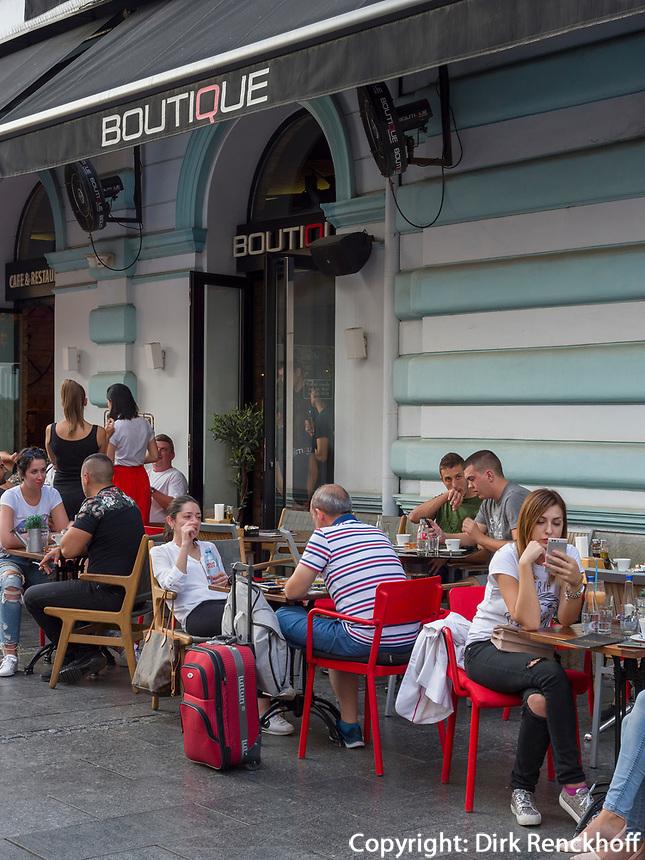 Boutique Cafe, Fußgängerzone Knez Mihailova -Prinz-Michael-Straße, Belgrad, Serbien, Europa<br /> Boutique Cafe, pedestrian area Knez Mihailova, Belgrade, Serbia, Europe