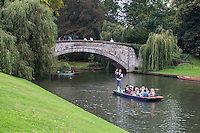 UK, England, Cambridge.  Punting on the River Cam, by King's Bridge.