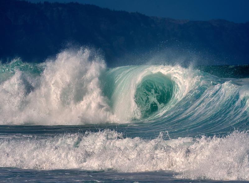 Large storm waves off north coast of Oahu, Hawaii