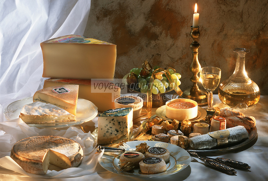Cuisine/Gastronomie Generale: Plateau de Fromage Bleu des Causses - Brie-beurre-comté-St Félicien-Vin Blanc