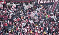 BOGOTA - COLOMBIA, 20-10-2021: Hinchas de Independiente Santa Fe durante partido de vuelta entre Independiente Santa Fe y America de Cali por la final de la Super Liga BetPlay DIMAYOR 2021 en el estadio Nemesio Camacho El Campin de la ciudad de Bogota. / Fans Independiente Santa Fe during a match of the second leg between Independiente Santa Fe and America de Cali, for the BetPlay DIMAYOR Super League 2021 at the Nemesio Camacho El Campin Stadium in Bogota city. / Photo: VizzorImage / Luis Ramirez / Staff.