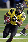 EUGENE, OR - OCTOBER 29: Running back Kenjon Barner #24 of the Oregon Ducks heads to the end zone for a 28 yard touchdown run in the fourth quarter of the game against the Washington State Cougars at Autzen Stadium on October 29, 2011 in Eugene, Oregon. (Photo by Steve Dykes/Getty Images) *** Local Caption *** Kenjon Barner