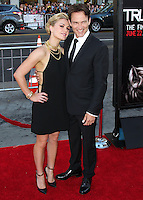 HOLLYWOOD, LOS ANGELES, CA, USA - JUNE 17: Actors Anna Paquin and Stephen Moyer arrive at the Los Angeles Premiere Of HBO's 'True Blood' Season 7 held at the TCL Chinese Theatre on June 17, 2014 in Hollywood, Los Angeles, California, United States. (Photo by Xavier Collin/Celebrity Monitor)