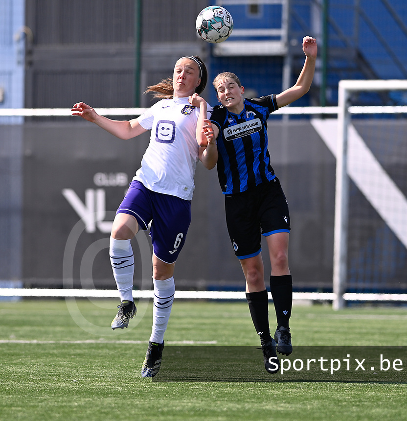 Tine De Caigny (6) of Anderlecht pictured in a duel with Raquel Viaene (5) of Club Brugge during a female soccer game between Club Brugge Dames YLA and RSC Anderlecht on the fourth matchday in Play-Off 1 of the 2020 - 2021 season of Belgian Scooore Womens Super League , saturday 1st May 2021  in Brugge , Belgium . PHOTO SPORTPIX.BE | SPP | DAVID CATRY