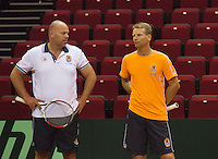 09-09-13,Netherlands, Groningen,  Martini Plaza, Tennis, DavisCup Netherlands-Austria, DavisCup,   Training,  Raymond Knaap (coach) Captain Jan Siemerink (NED)(R)<br />
