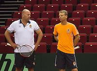 09-09-13,Netherlands, Groningen,  Martini Plaza, Tennis, DavisCup Netherlands-Austria, DavisCup,   Training,  Raymond Knaap (coach) Captain Jan Siemerink (NED)(R)<br /> Photo: Henk Koster