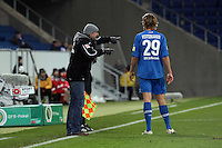 Jannik Vestergaard (Hoffenheim) mit Trainer Holger Stanislawski
