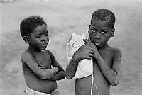 Mozambico, Africa, bambini a Inhaminga