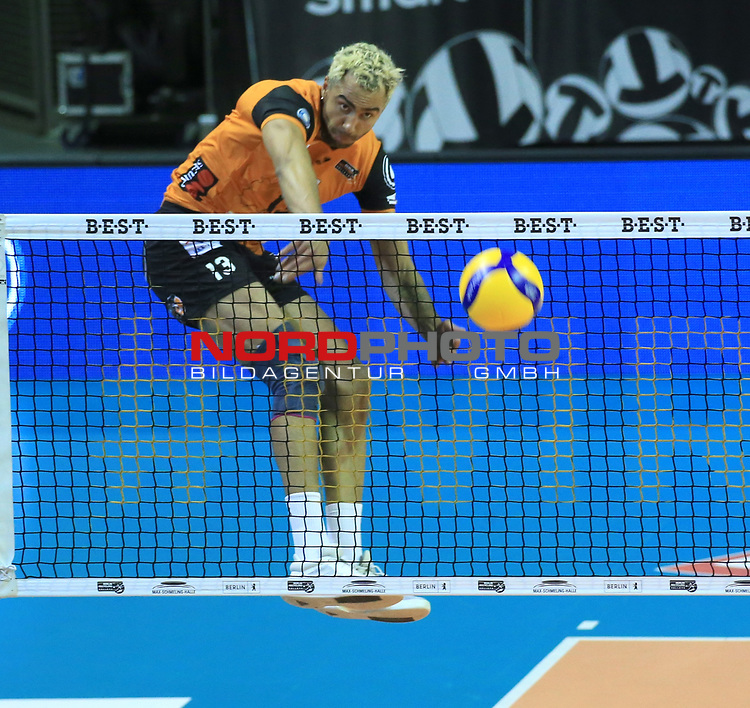 17.10.2020, Max Schmeling Halle, Berlin, GER, 1.VBL, BR VOLLEYS VS. SWD powervolleys Dueren, <br /> im Bild Benjamin Patch (BR Volleys #13)<br /> <br />    <br /> Foto © nordphoto /  Engler