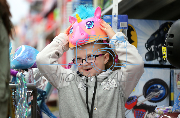 Images from the 12th annual Holiday With A Hero shopping event at Walmart in Carson City, Nev. on Wedneday, Dec. 21, 2016. <br /> Photo by Cathleen Allison/Nevada Photo Source