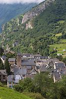 Europe, France, Aquitaine, Pyrénées-Atlantiques, Béarn, Vallée d'Aspe, Borce:  le village // Europe, France, Aquitaine, Pyrenees Atlantiques, Bearn, Aspe valley, Borce : the village