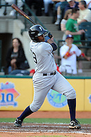 Staten Island Yankees infielder Carlos Urena (29) during game against the Brooklyn Cyclones at MCU Park in Brooklyn, NY June 19, 2010. Cyclones won 9-6.  Photo By Tomasso DeRosa/Four Seam Images