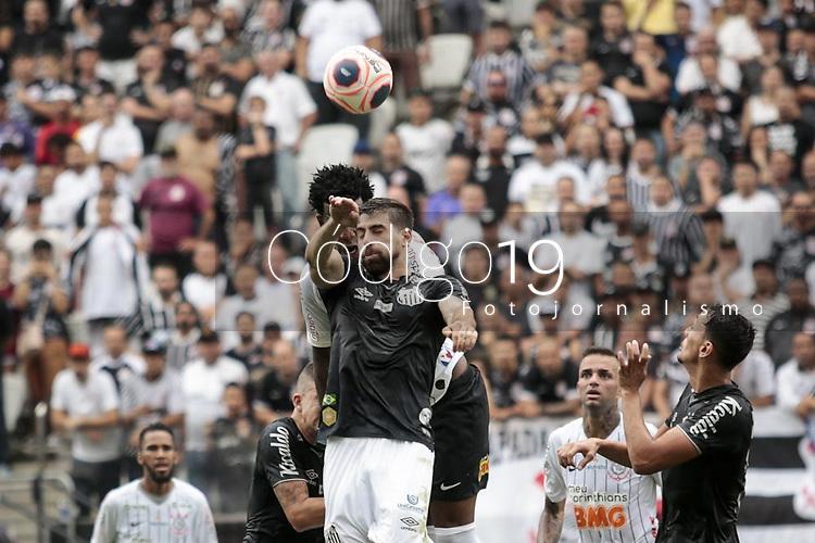 Sao Paulo (SP), 02/02/2020 - Corinthians-Santos - Gil e Luan Peres. Corinthians e Santos, durante partida valida pela quarta rodada do campeonato paulista 2020, na Arena Corinthians, zona leste da capital, na manha deste domingo (02). (Foto: Ale Frata/Codigo 19/Codigo 19)