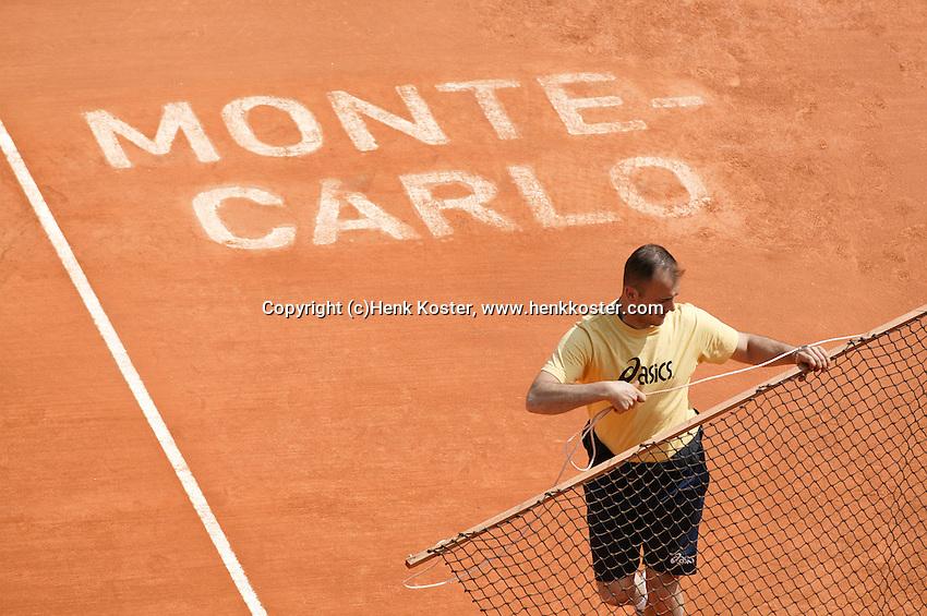 18-4-06, Monaco, Tennis,Master Series, court maintenance