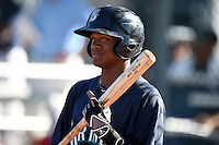 Seattle Mariners outfielder Brayan Hernandez (16) during an Instructional League game against the Cleveland Indians on October 1, 2014 at Goodyear Training Complex in Goodyear, Arizona.  (Mike Janes/Four Seam Images)