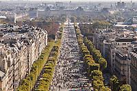 LA JOURNEE PARIS SANS VOITURE SUR LES CHAMPS ELYSEES, PARIS, FRANCE