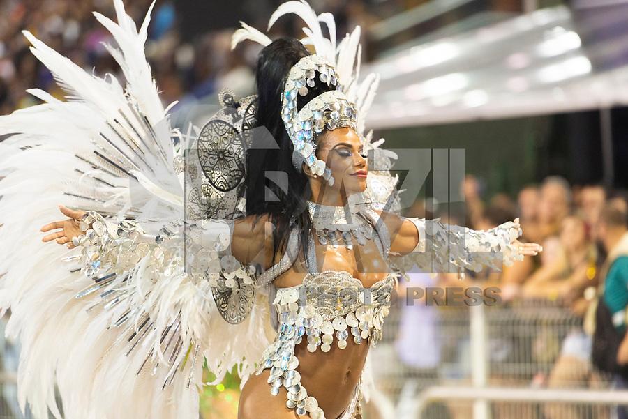 SÃO PAULO, SP, 03.03.2019 - CARNAVAL-SP - Sávia David, rainha de bateria da escola de samba  Unidos de Vila Maria  durante Desfile do grupo especial do Carnaval de São Paulo, no Sambódromo do Anhembi em Sao Paulo, na madrugada deste domingo, 03.  (Foto: Anderson Lira/Brazil Photo Press)