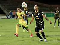 NEIVA-COLOMBIA, 25-11-2020: Atletico Huila y Llaneros F. C.,  durante partido de la fecha 19 de los Cuadrangulares Semifinales del Torneo BetPlay DIMAYOR 2020 en el estadio Guillermo Plazas Alcid de la ciudad de Neiva. / Atletico Huila y Llaneros F. C., durante during the date 19 of the Semifinals Quadrangular for the BetPlay DIMAYOR 2020 Tournament  at the Guillermo Plazas Alcid stadium in Neiva city. / Photo: VizzorImage / Sergio Reyes / Cont.