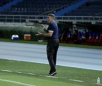 BARRANQUILLA - COLOMBIA, 05-03-2021: Luis Fernando Suarez, tecnico de Atletico Bucaramanga gesticula durante partido entre Atletico Junior y Atletico Bucaramanga, de la fecha 11 por la Liga BetPlay DIMAYOR I 2021 jugado en el estadio Metropolitano Roberto Melendez de la ciudad de Barranquilla. / Luis Fernando Suarez, coach of Atletico Bucaramanga gestures during a match between Atletico Junior and Atletico Bucaramanga of the 11th date for BetPlay DIMAYOR I 2021 League played at the Metropolitano Roberto Melendez Stadium in Barranquilla city. / Photo: VizzorImage / Jesus Rico / Cont.