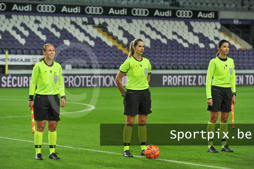 assistant referee Sabrina Keinersdorfer , referee Michele Schmolzer , assistant referee Emilie Aubry pictured during a female soccer game between RSC Anderlecht Dames and Northern Irish Linfield Ladies  in the first qualifying round for the Uefa Womens Champions League of the 2020 - 2021 season , Wednesday 4 th of November 2020  in ANDERLECHT , Belgium . PHOTO SPORTPIX.BE | SPP | STIJN AUDOOREN