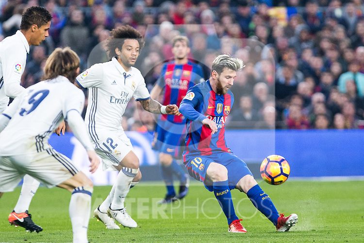 Real Madrid's Luka Modric, Marcelo Vieira, FC Barcelona's Leo Messi  during spanish La Liga match between Futbol Club Barcelona and Real Madrid  at Camp Nou Stadium in Barcelona , Spain. Decembe r03, 2016. (ALTERPHOTOS/Rodrigo Jimenez)