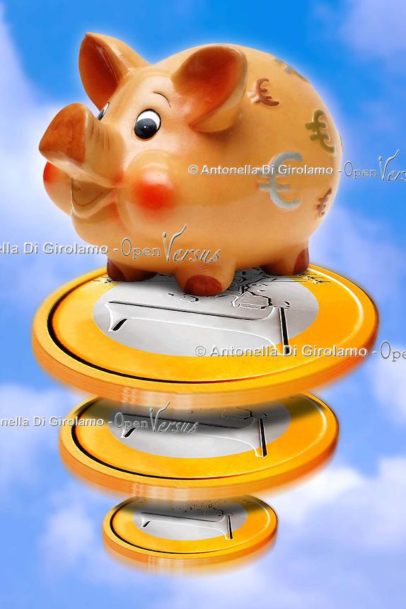 Salvadanai per i risparmi. Savings money box.....