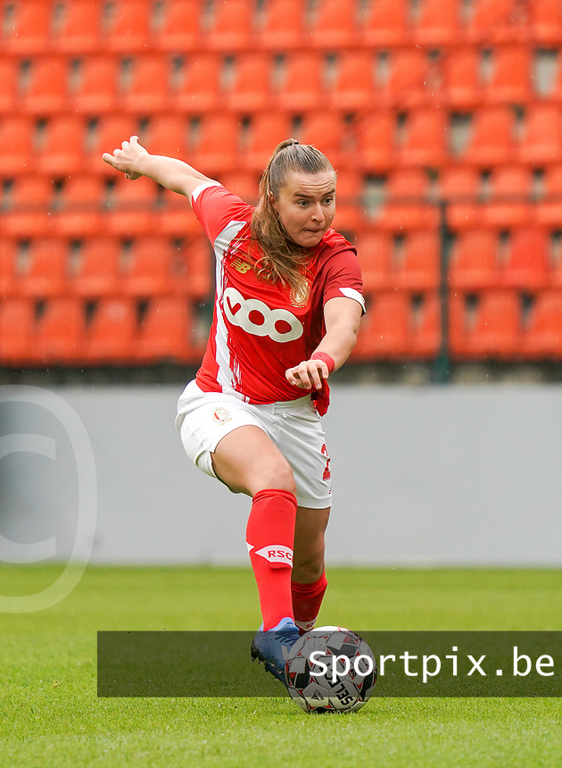 Standard's Davinia Vanmechelen in action during a female soccer game between Standard Femina de Liege and KRC Genk Ladies  on the third matchday of the 2020 - 2021 season of Belgian Womens Super League , Saturday 3 rd of October 2020  in Liege , Belgium . PHOTO SPORTPIX.BE | SPP | SEVIL OKTEM