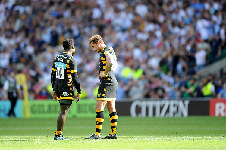 Christian Wade and Danny Cipriani of Wasps are dejected after losing the Premiership Rugby Final in extra time at Twickenham Stadium on Saturday 27th May 2017 (Photo by Rob Munro)
