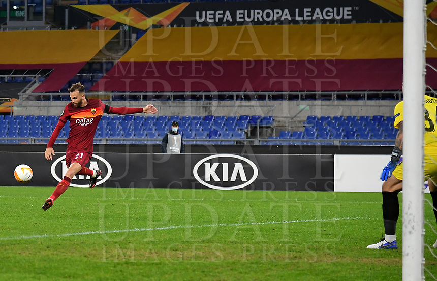 Football Soccer: UEFA Europa League UEFA Europa League Group A  AS Roma vs FCR Cluj, Olympic stadium, Rome, 5 November, 2020.<br /> Roma's Borja Mayoral (l) scores his second goal in the match during the Europa League football match between Roma and Cluj at the Olympic stadium in Rome on  5 November, 2020.<br /> UPDATE IMAGES PRESS/Isabella Bonotto