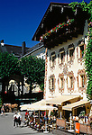 Austria, Upper Austria, Salzkammergut, St. Wolfgang at Lake Wolfgang: Cafe and pastry shop Lebzelter at centre